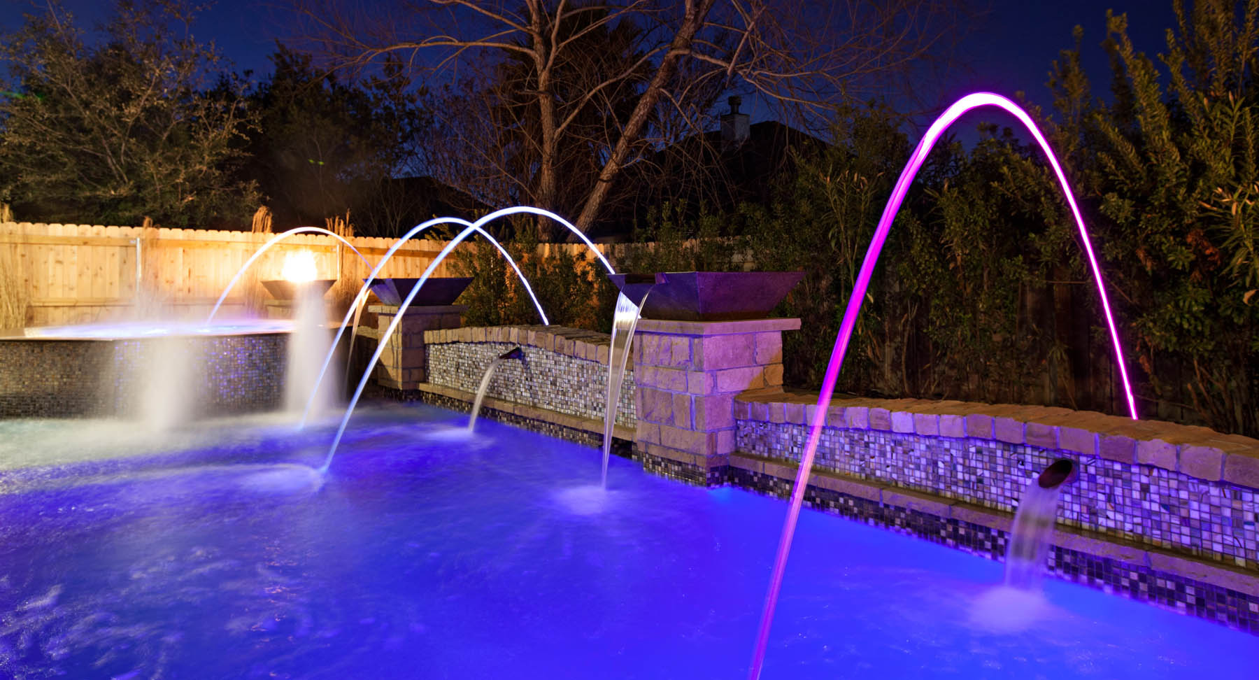 Geometric-Style-Pool-with-LED-Color-Laminar-Jets-and-Custom-Grand-Effects-Water-Bowl
